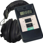 PCB 687A01 fejhallgatóval